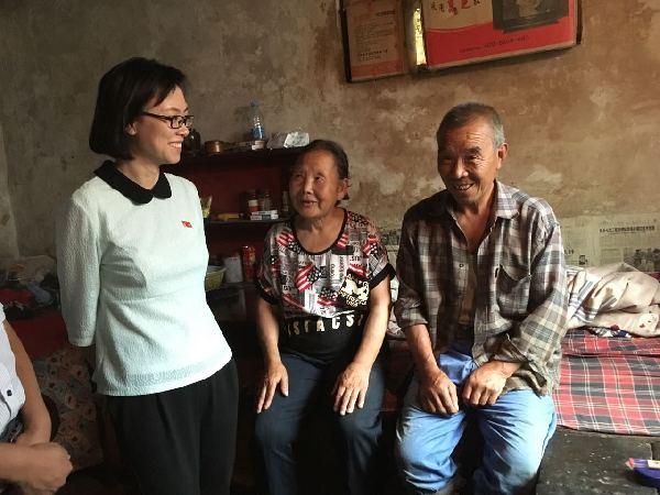 【砥砺奋进的五年】以梦为马不负韶华 山西80后女第一书记的扶贫记